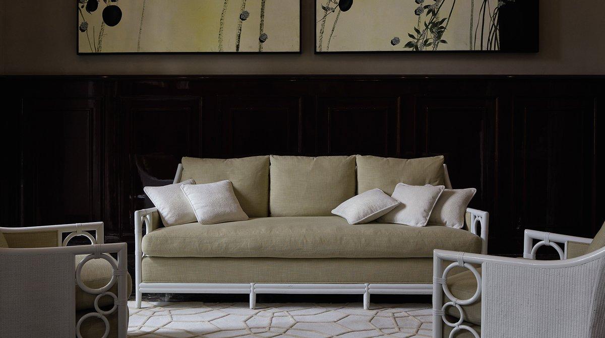 Ghế sofa cho thẩm mỹ viện màu trắng be thanh lịch