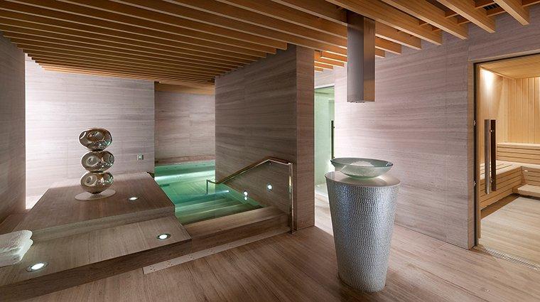 Nội thất spa chất liệu gỗ phong cách Trung Quốc