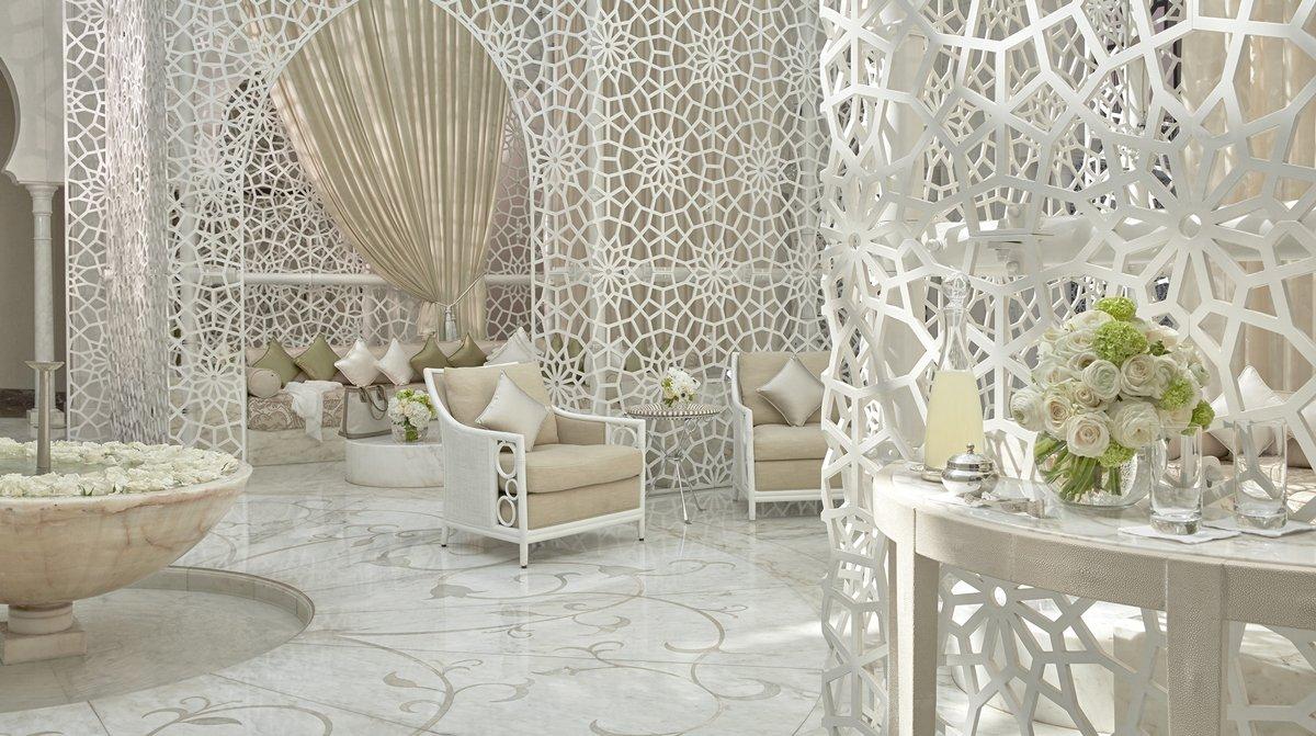 Thiết kế không gian thẩm mỹ viện tone màu trắng đẹp tinh tế