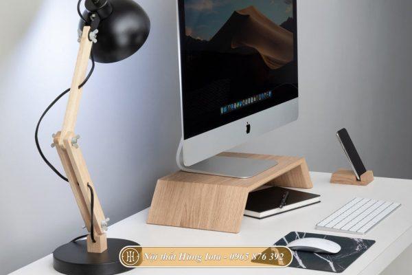 Kệ để màn hình máy tính màu gỗ tự nhiên