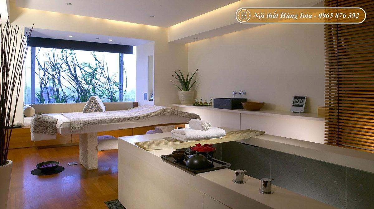 Setup nội thất phòng spa nhỏ trắng nâu gỗ thanh lịch
