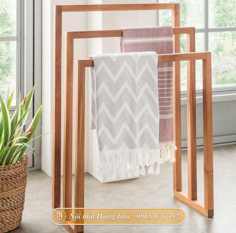 Giá treo khăn tắm 3 tầng cho gia đình, spa màu gỗ tự nhiên