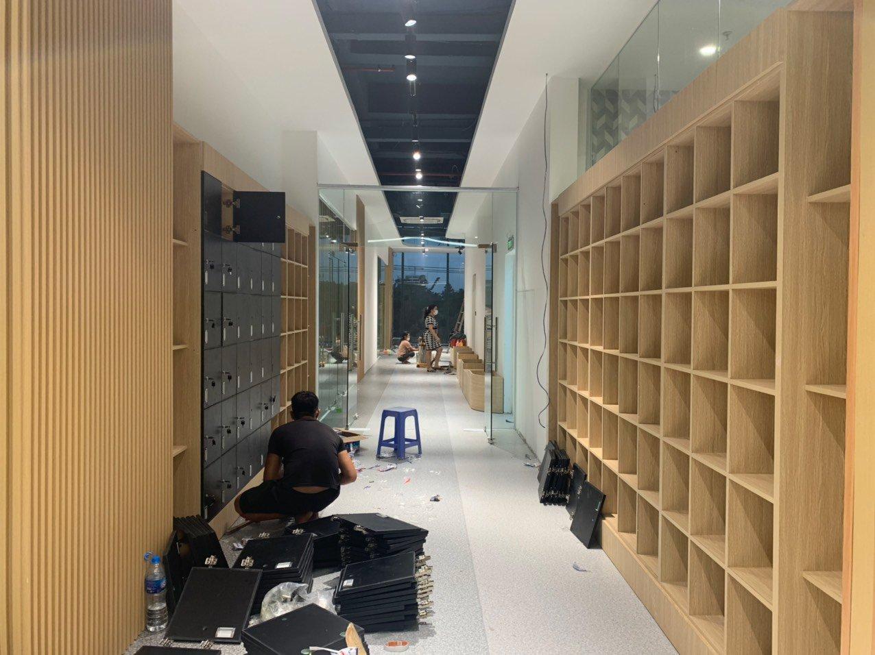 Lắp đặt tủ gỗ đựng đồ cho viện dưỡng lão tại Hà Nội