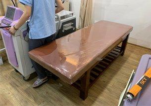 Thumb lắp đặt giường spa gỗ cho phòng khám da ở Hoàng Cầu